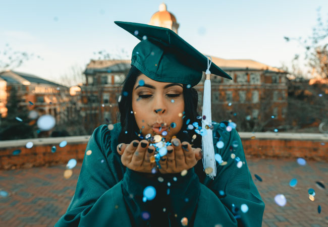 graduates img
